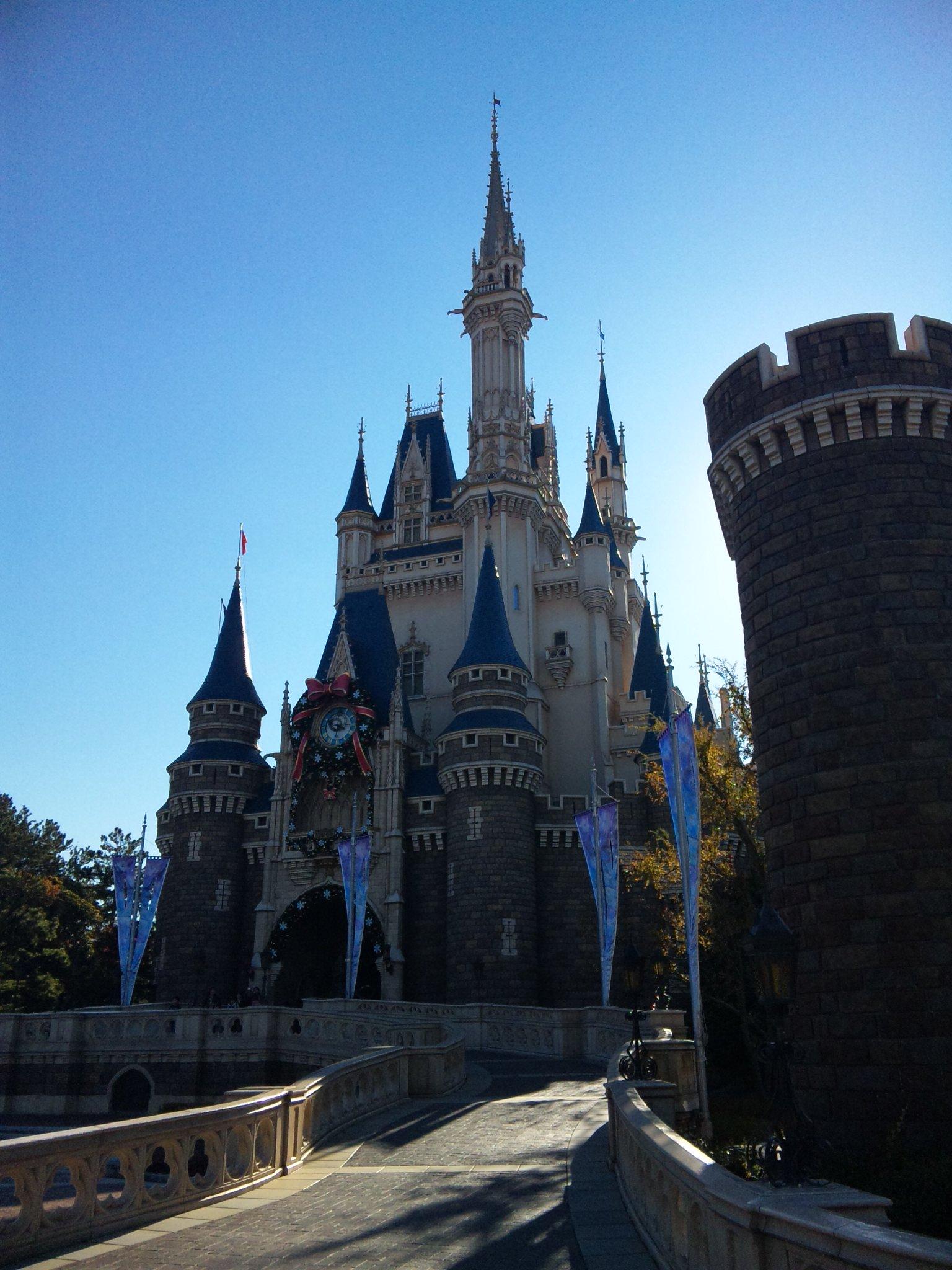夢と魔法の王国なう